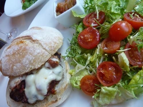Burger at Zanzero
