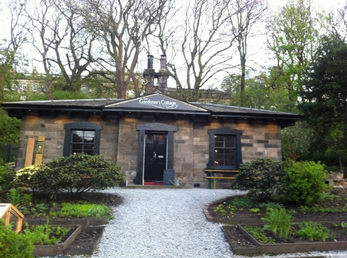 Gardeners Cottage 140424 (2)